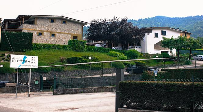 Ingresso Residence Elettra - Stefano V.