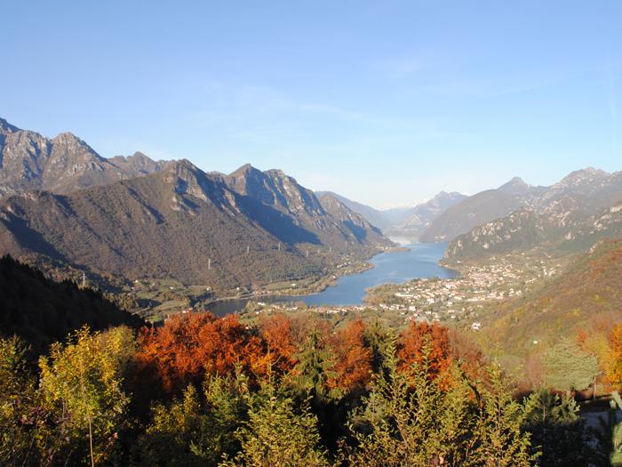 <b>Panorama del lago d'Idro autunnale</b>