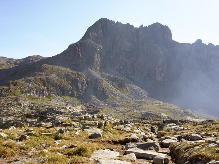 <b>Passeggiate in montagna dove gustare piatti tipici nei nunmerosi rifugi</b>